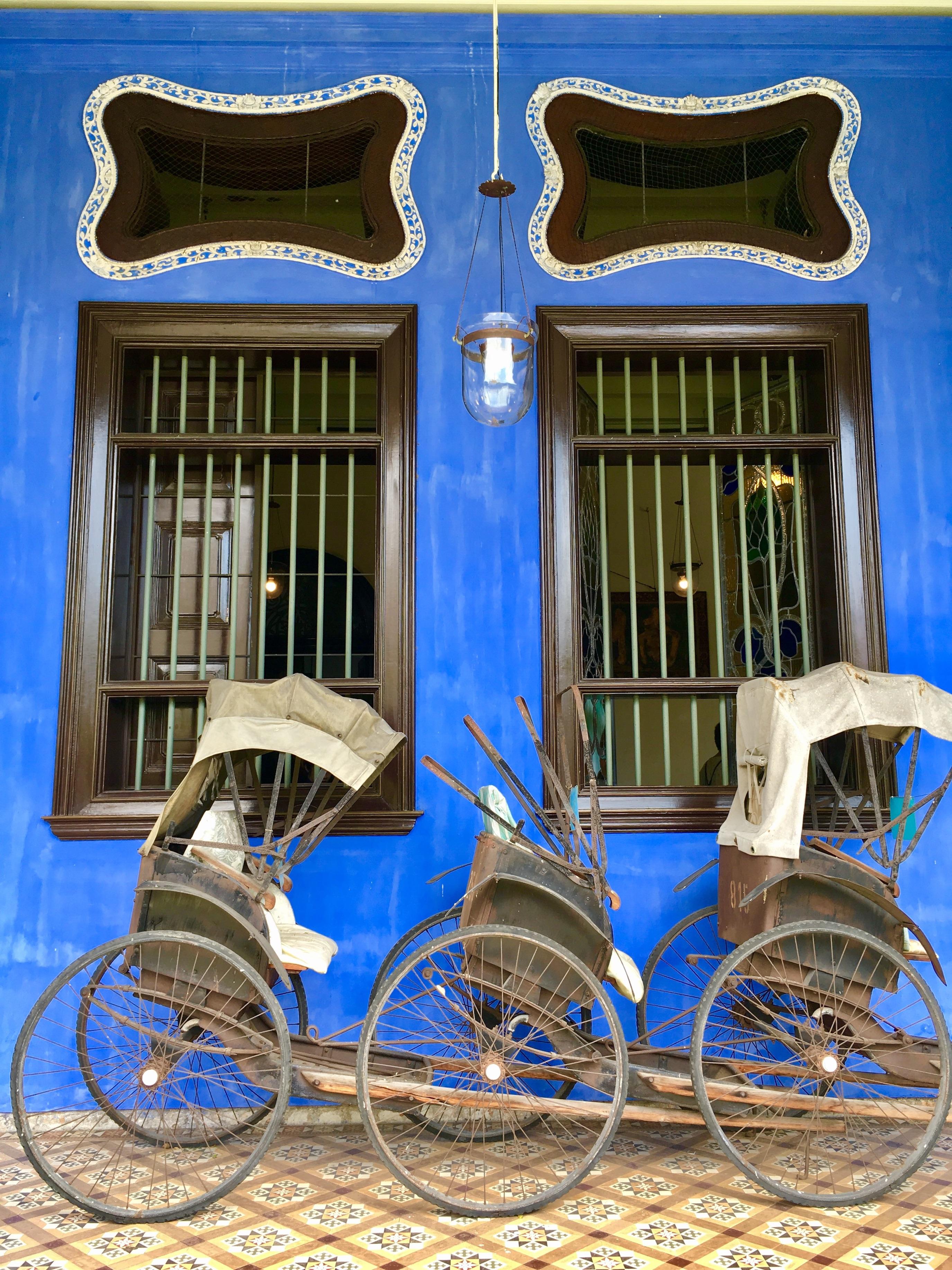 Maison bleu 1.jpg