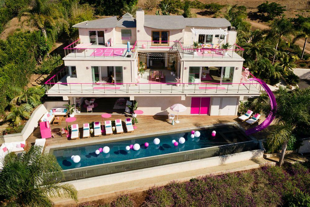 Barbie® が初めて、Airbnbのホストに! Barbie Malibu Dreamhouseで初めて、宿泊を提供