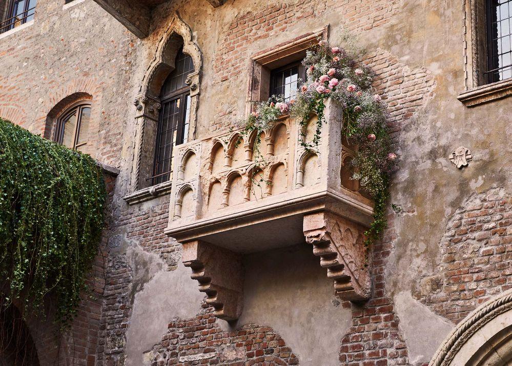 イタリア「ジュリエットの家」で シェイクスピアの最も有名なカップルのように暮らそう! 〜Airbnbだけのバレンタインデー特別企画〜