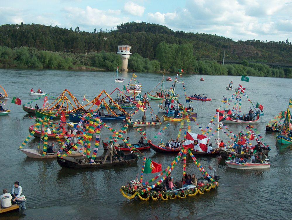 Barcos engalanados no dia de Nossa Senhora da Boa Viagem