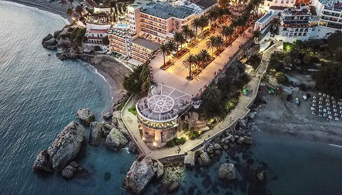 Vista aérea del Balcón de Europa