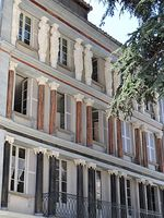 pa09000028-immeuble-dit-maison-des-cariatides.jpg