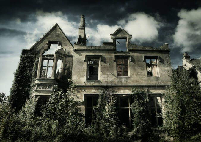 Haunted and Spooky Airbnb Stories!