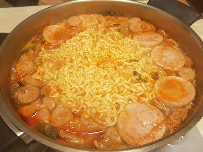 budae-jjigae (aka. army stew)