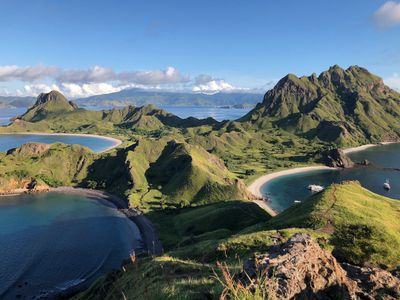 Pulau Padar, tri-colour beaches