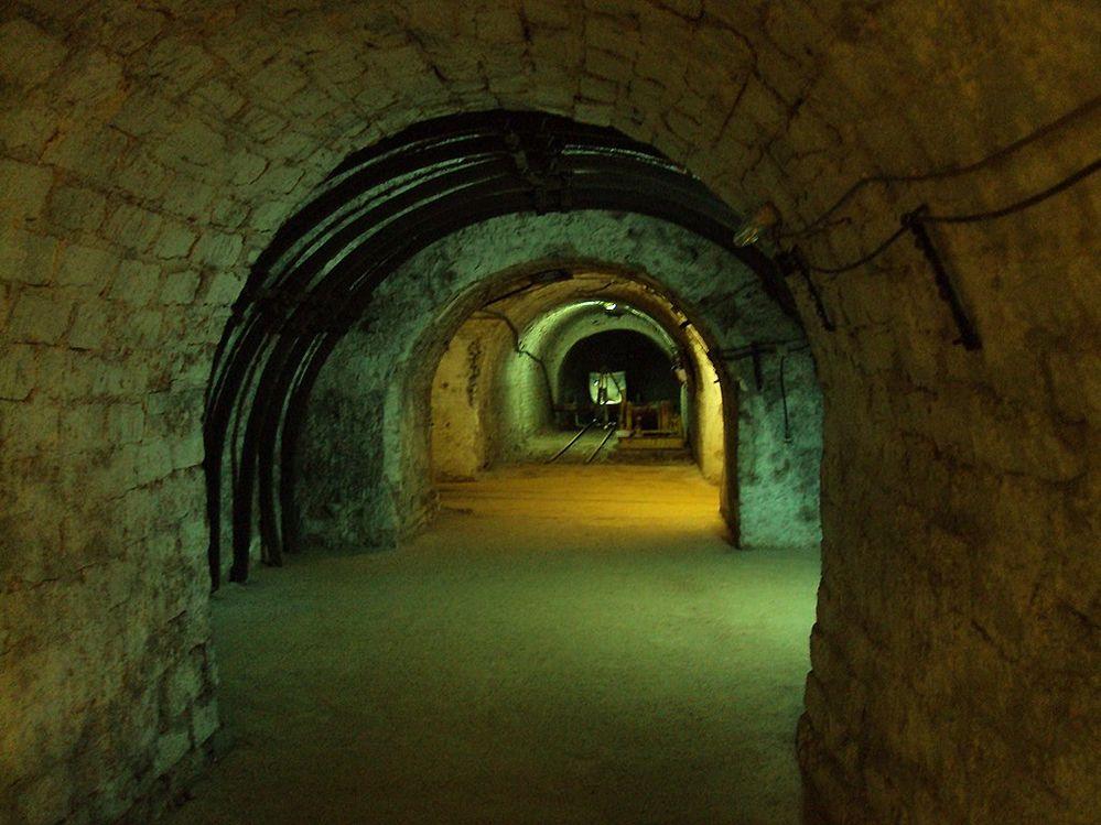 1024px-Mining_museums_of_Pernik_38