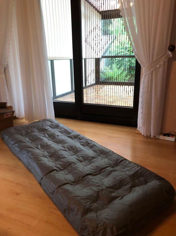 Unser Haus fuer uns als Luftmatrazenschlafplatz