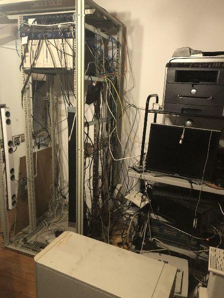 Computer aus der Dorfenstr