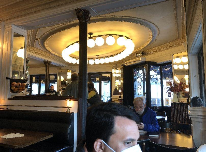 Fruehstueck in Paris