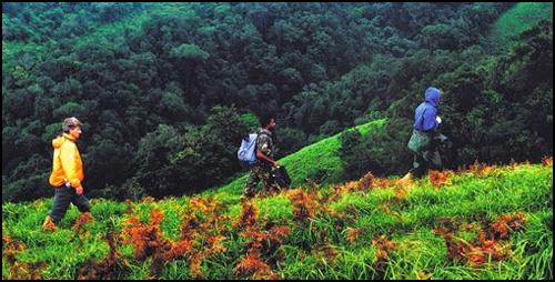 Boarder hiking.jpg