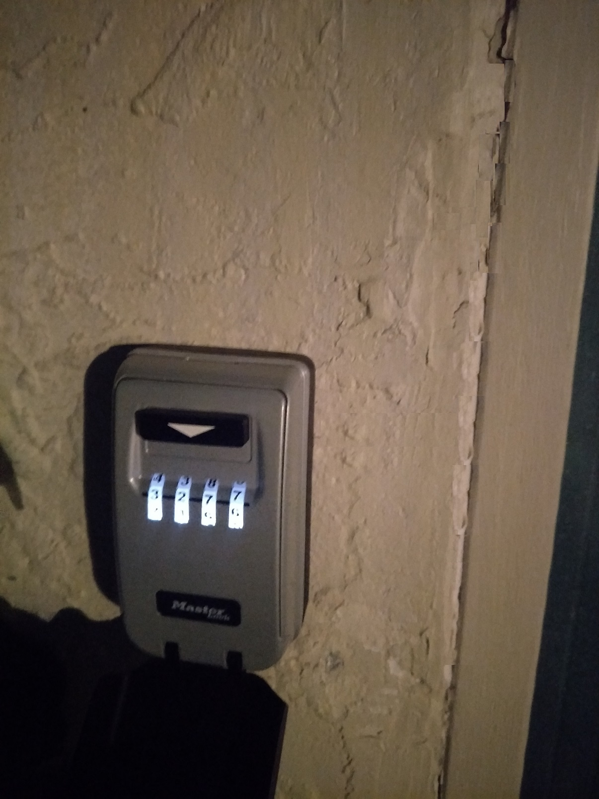 Any Wifi Enabled External Key Lock Box With Key P